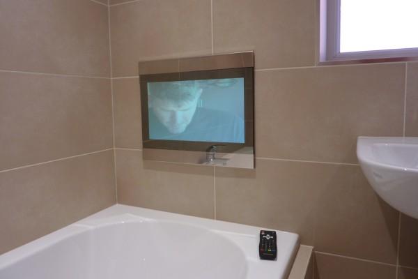 3 piece bathroom with TV Barcz Droylsden 2014 Bathrooms by TM