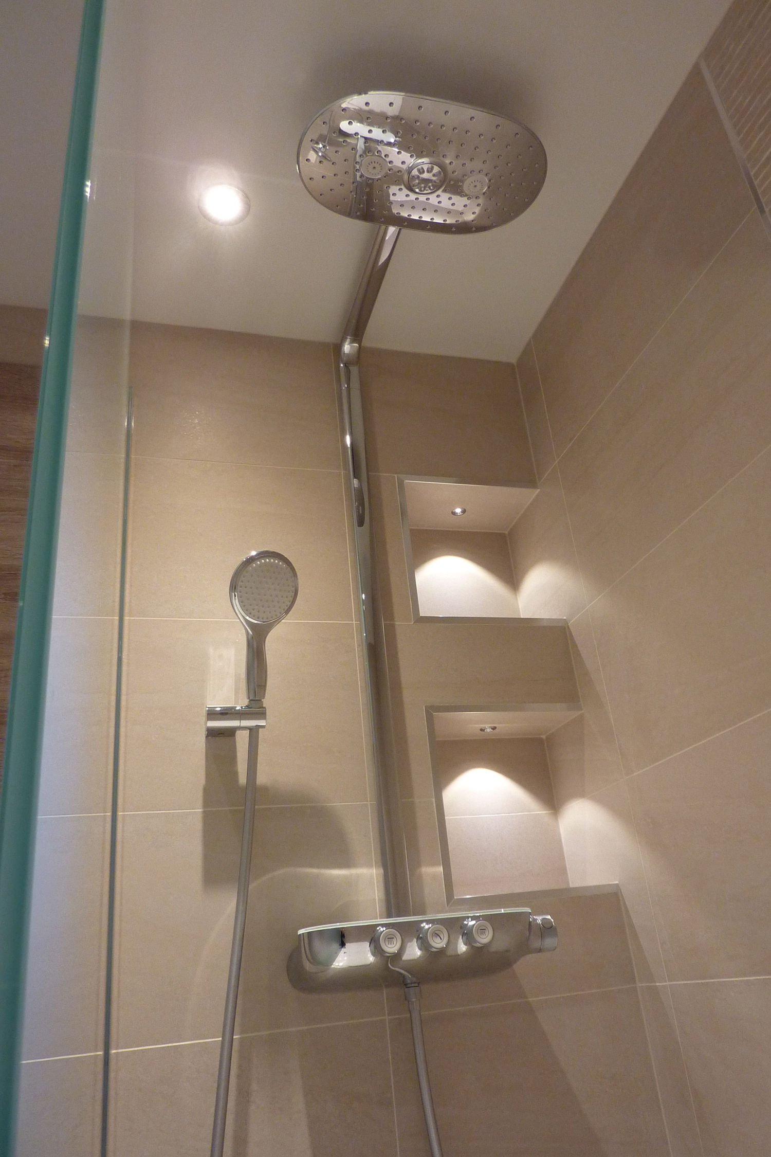6 Bathroom and Shower, Hussein, Rochdale 2016